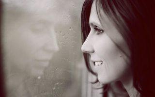 Как перестать плакать и успокоиться